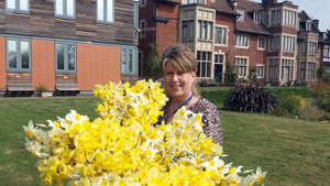 Fircroft Donates Food and Flowers to Local Charity
